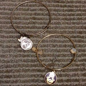 Alex and Ani Gold Hand of Fatima❤️
